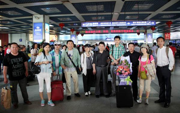 冰雪画派抵达深圳机场