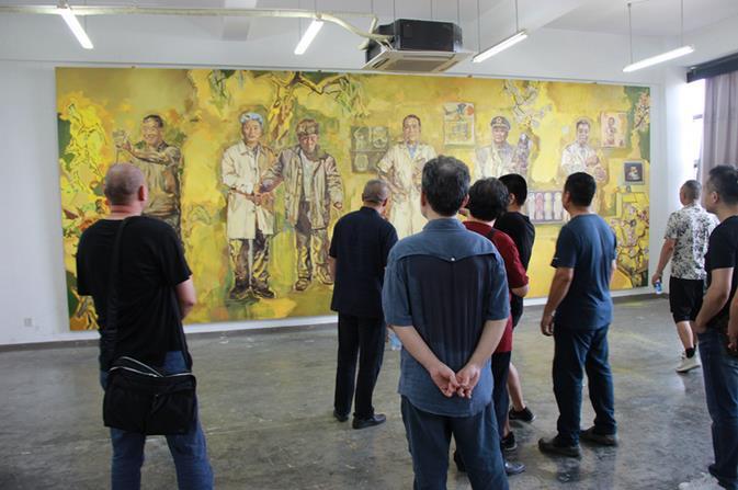 中国美协专家组赴国美观摩指导