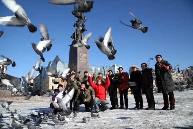 2014年12月于志学率冰雪画派在俄罗斯符拉迪沃斯托克采风