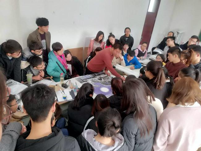加宏杰在山西运城学院教授冰雪画