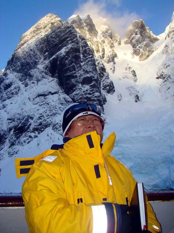2012年于志学在南极写生
