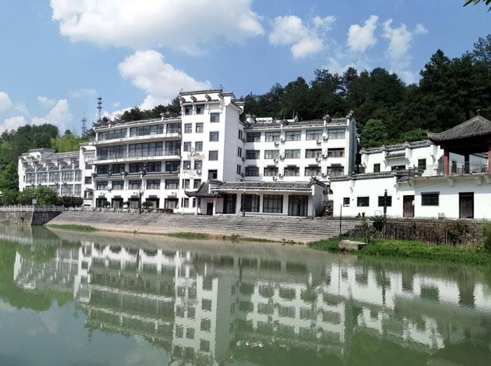 黄山北斗酒店是艺术园的重要组成部分